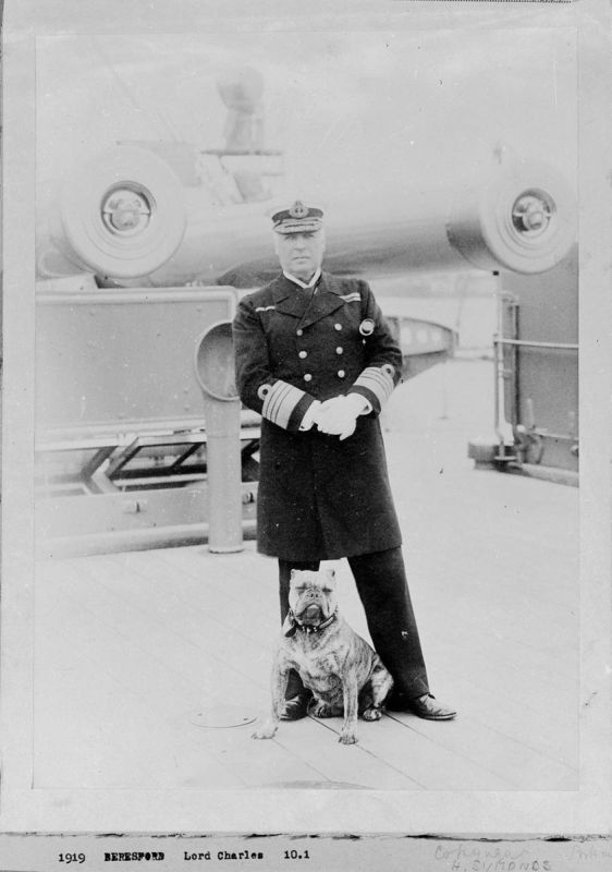 Admiral_Lord_Charles_Beresford_with_his_bulldog