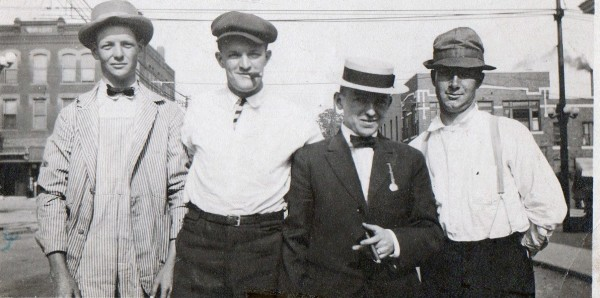 Newly-arrived Irish immigrants in Kansas City, early 1900s