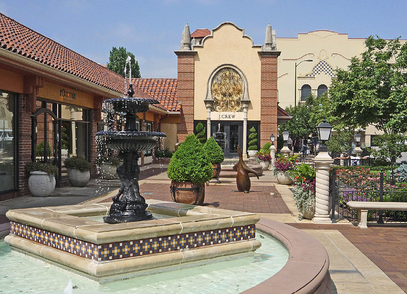 The Plaza is one of Kansas City's classic shopping and entertainment districts.