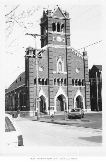 Holy Rosary Catholic Church Courtesy of Missouri Valley Special Collections