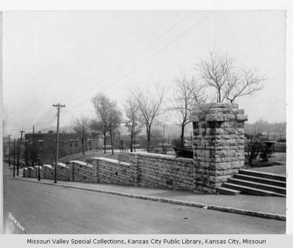 Observation Park. Image courtesy of the Missouri Valley Special Collections, Kansas City Public Library